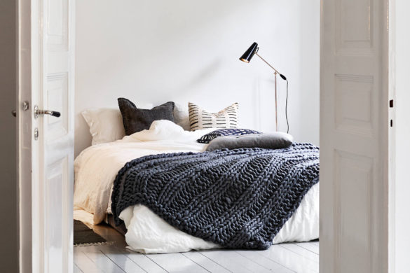 Scandinavian bedroom inspiration - white + grey, minimalist