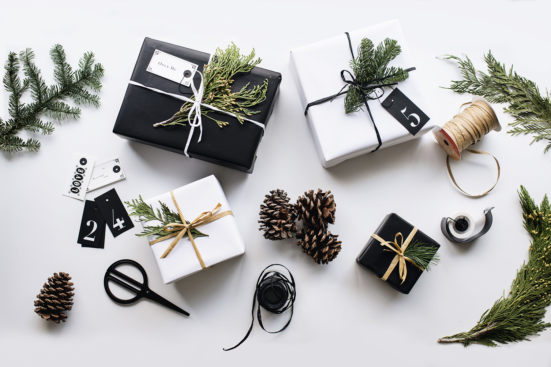 Innovative Christmas Gift Ideas: 10 Best Gifts For New Moms + DIY Gift Wrap Tutorial