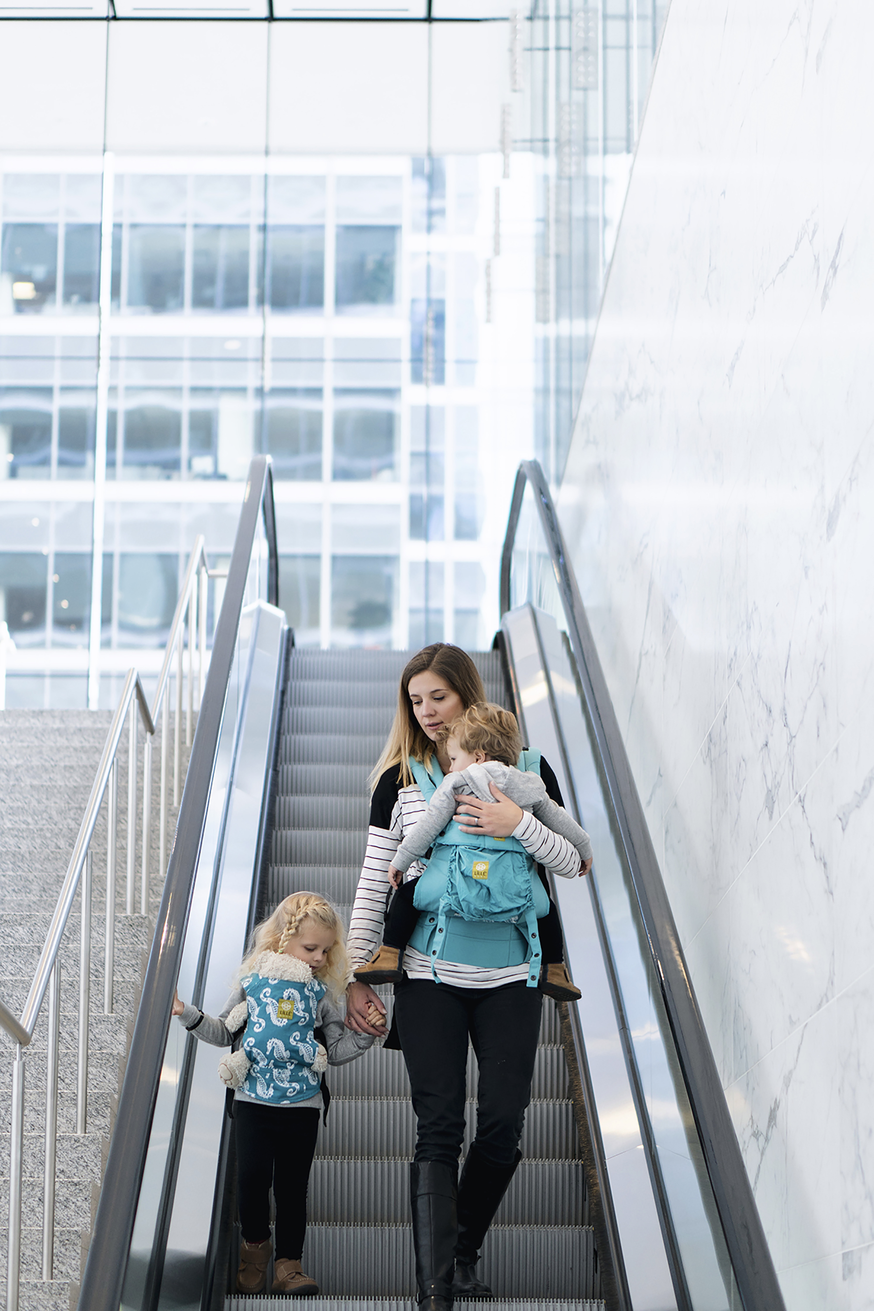 5 reasons to where your baby: benefits of babywearing with Lillebaby carriers