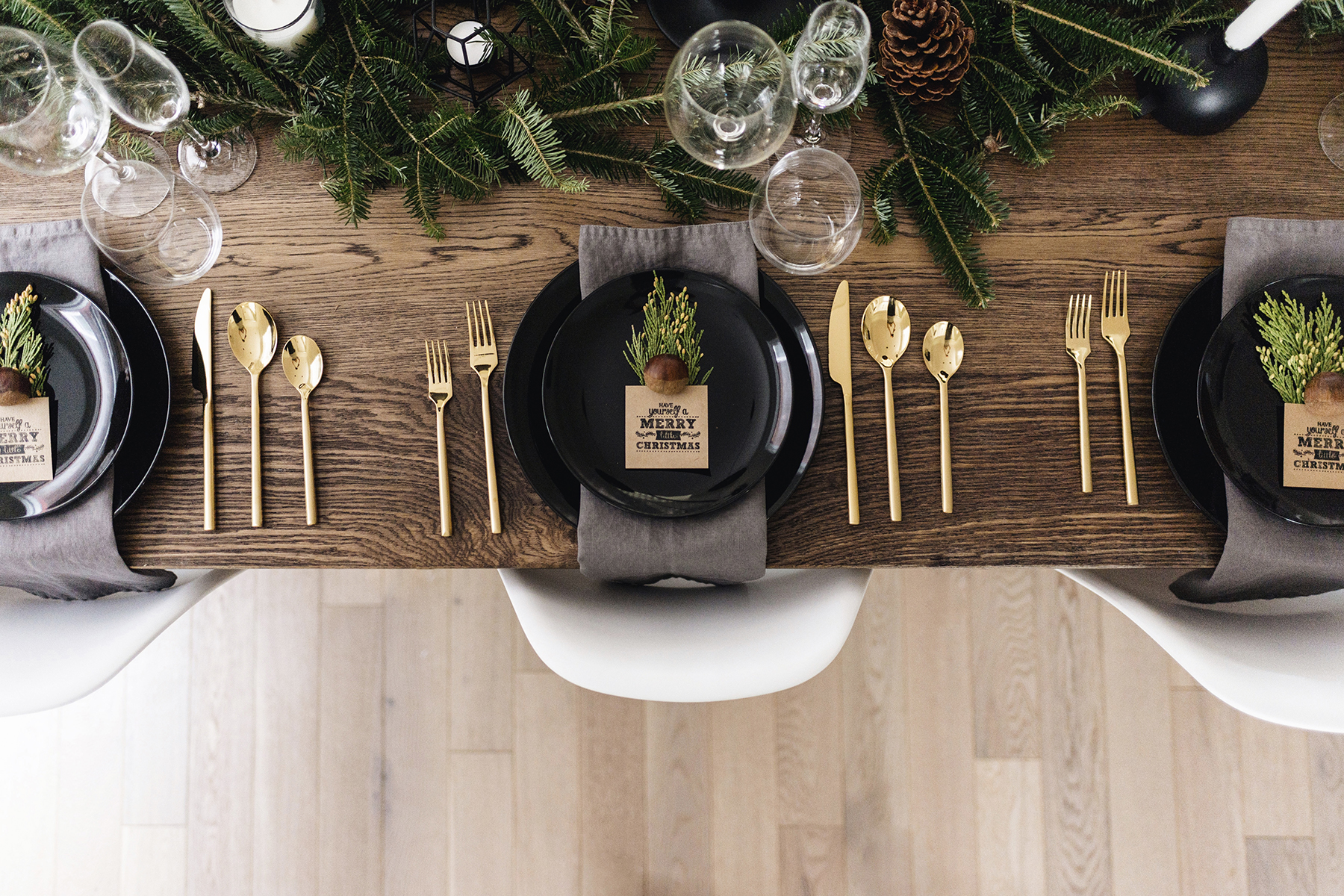 Scandinavian Christmas tablescape | Happy Grey Lucky