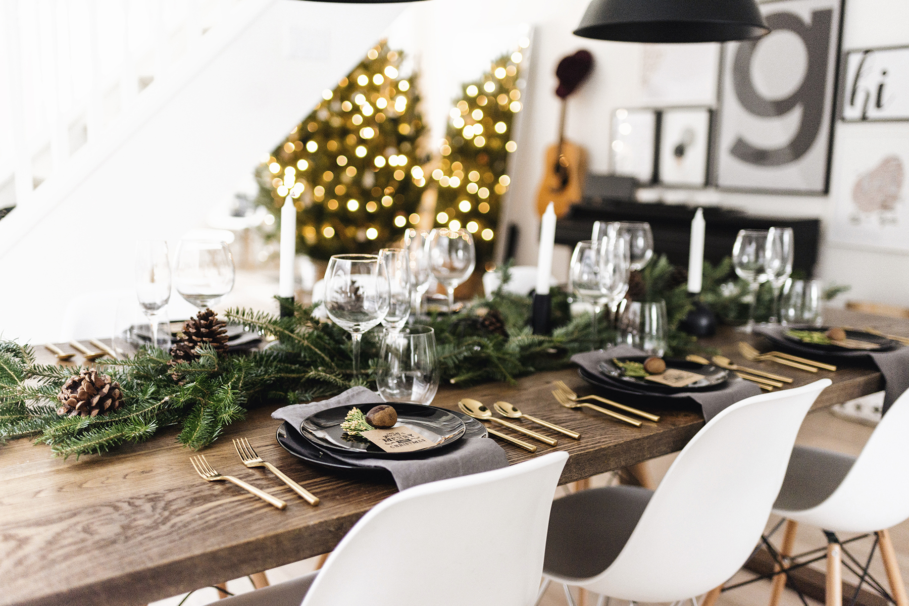 Modern classy christmas tablescape happy grey lucky for Modern christmas table settings ideas