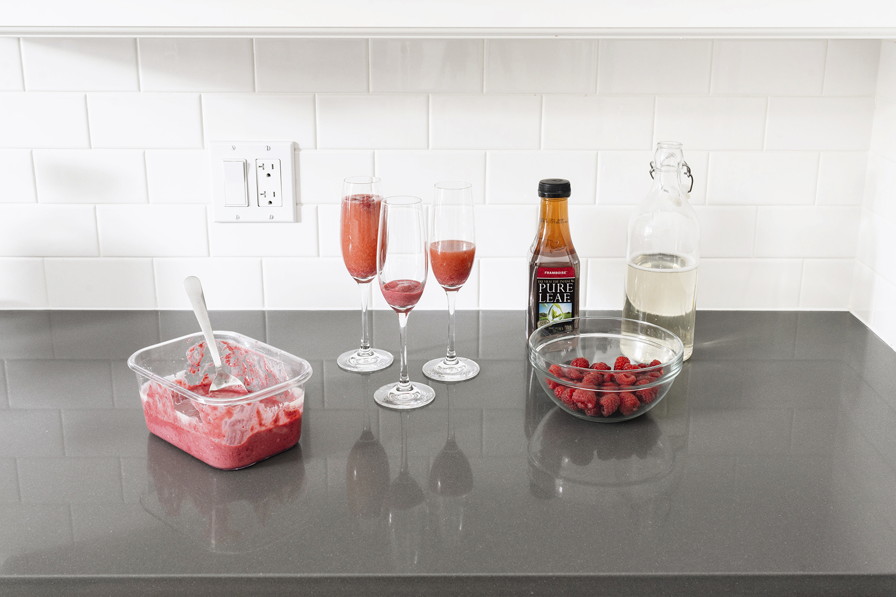 Holiday cocktail - raspberry cream mimosa with Pure Leaf iced tea | Happy Grey Lucky