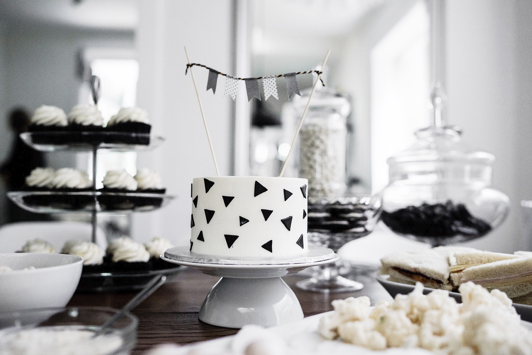 Kids birthday party smash cake, black + white / monochrome, first birthday | Happy Grey Lucky