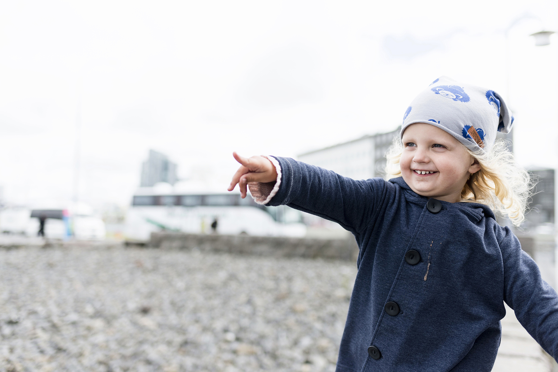 Sculpture and Shore Walk in Reykjavik, Iceland with young kids - family travel with a baby & toddler | Happy Grey Lucky