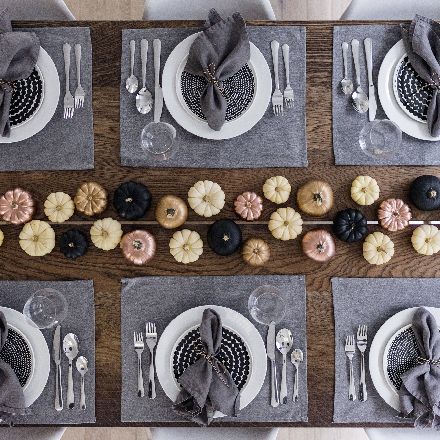 Modern Scandinavian Thanksgiving Fall Tablescape Table Setting