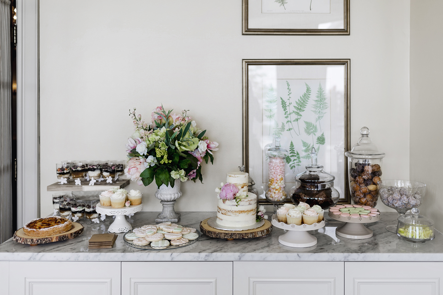 Dessert table | A wild + boho baby shower with pastel colours + rustic details