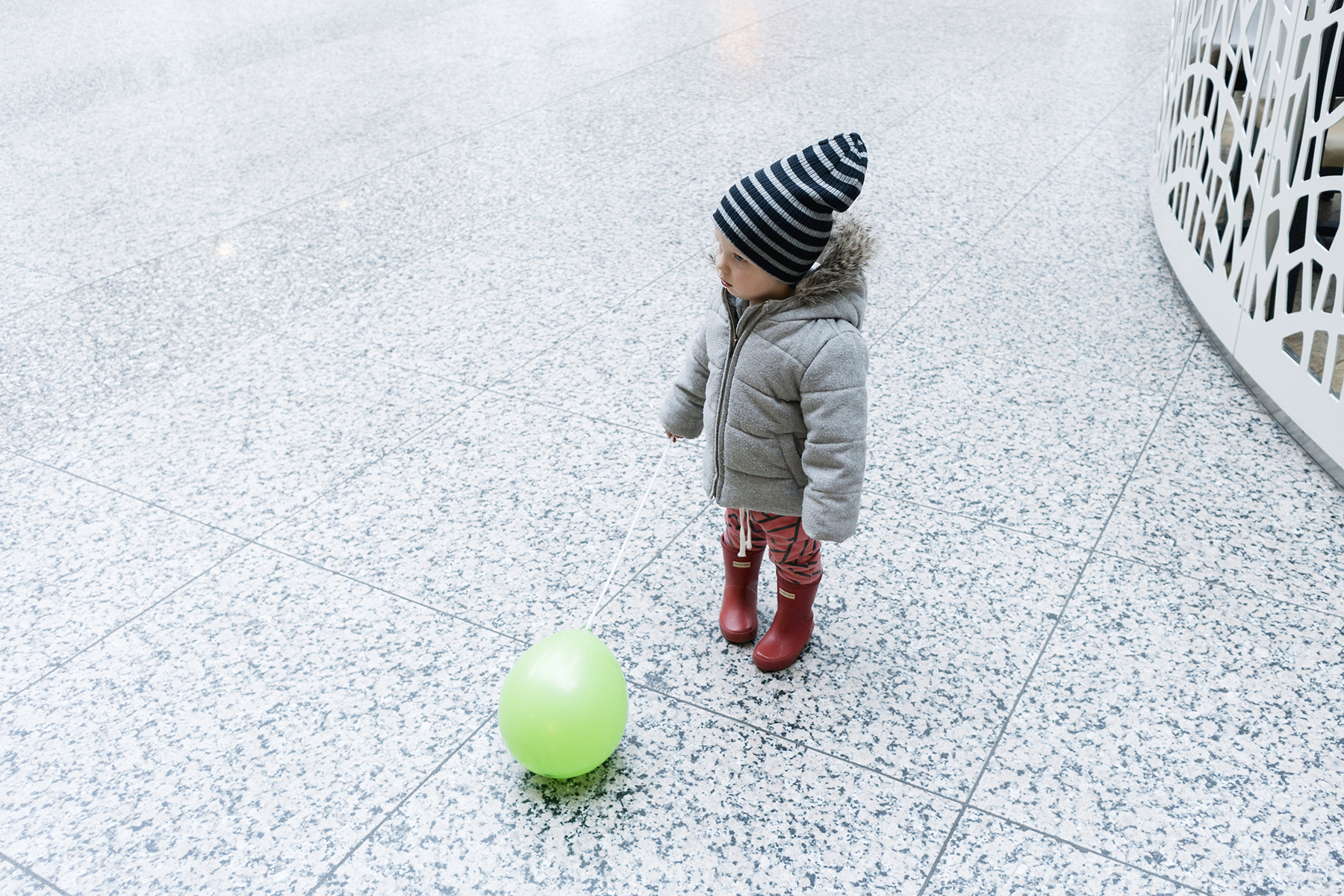 Baby hunter boots and playing with a balloon - Five Things | Happy Grey Lucky
