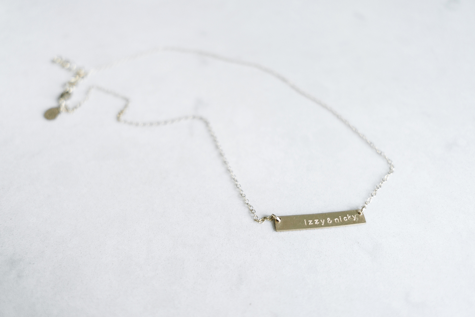 Personalized bar necklace with kids names - Five Things | Happy Grey Lucky