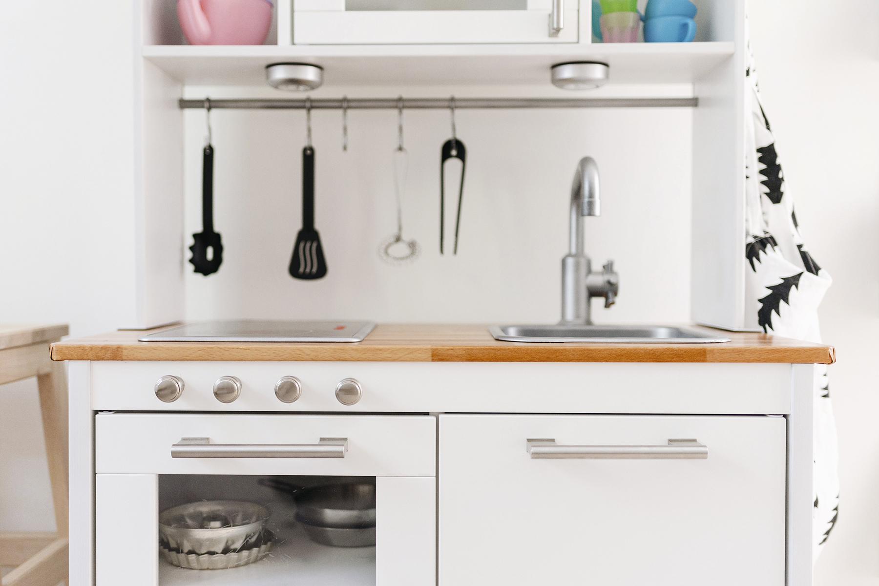 Ikea Hack: A Scandinavian-Inspired Play Kitchen | Happy Grey Lucky