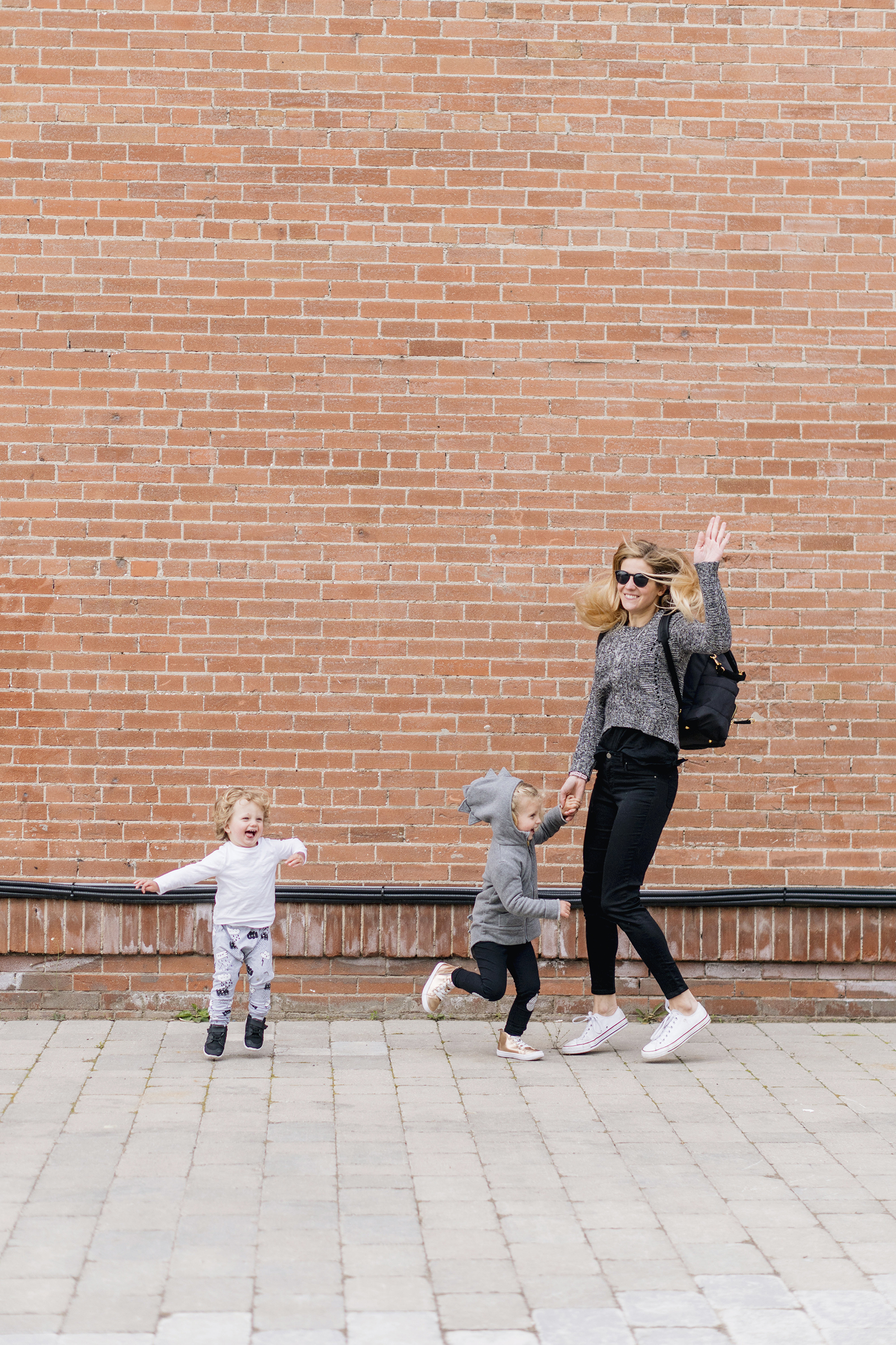 Modern, monochrome family style | Happy Grey Lucky