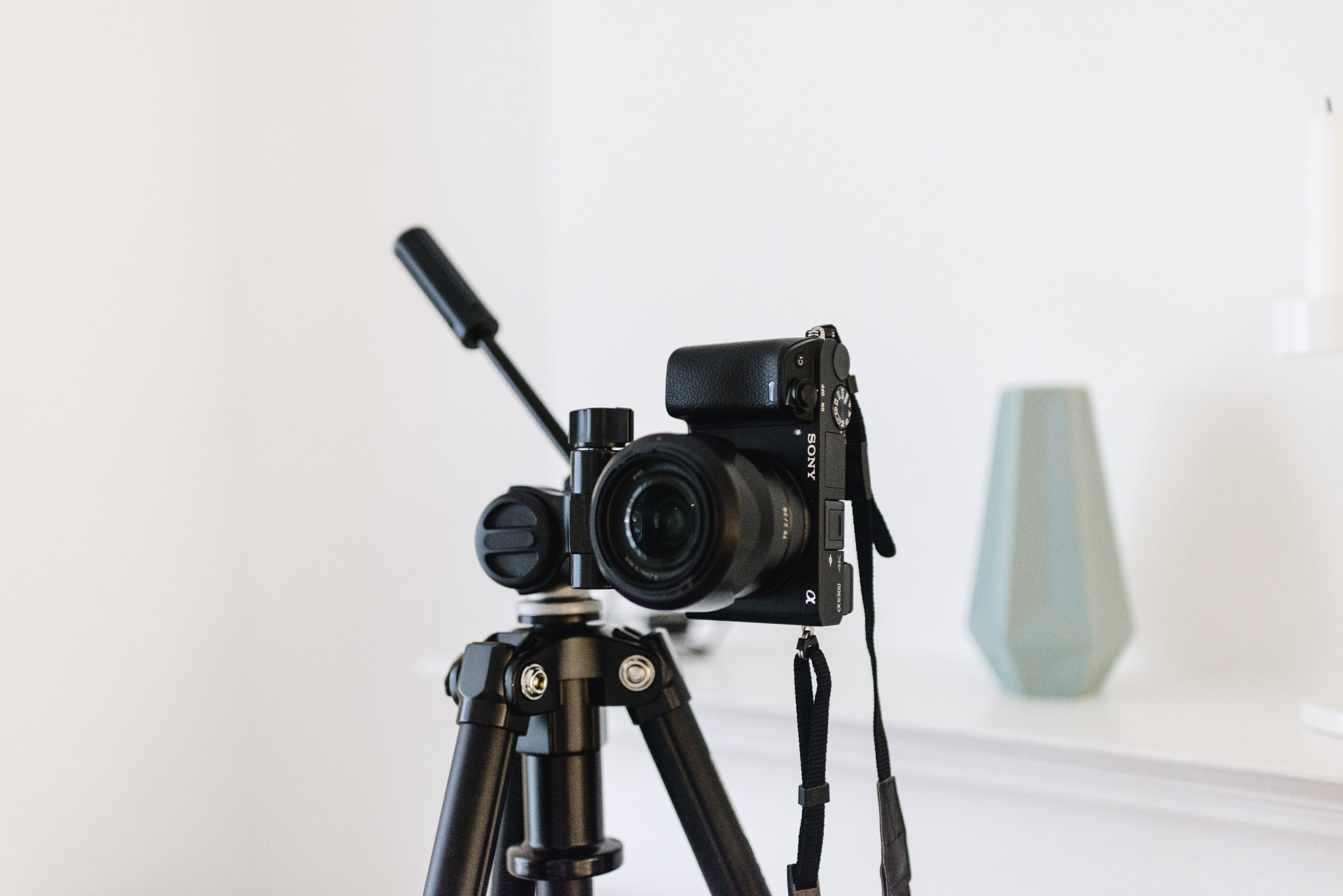 Sony A6300 with tripod | self-portrait photography tips and tricks