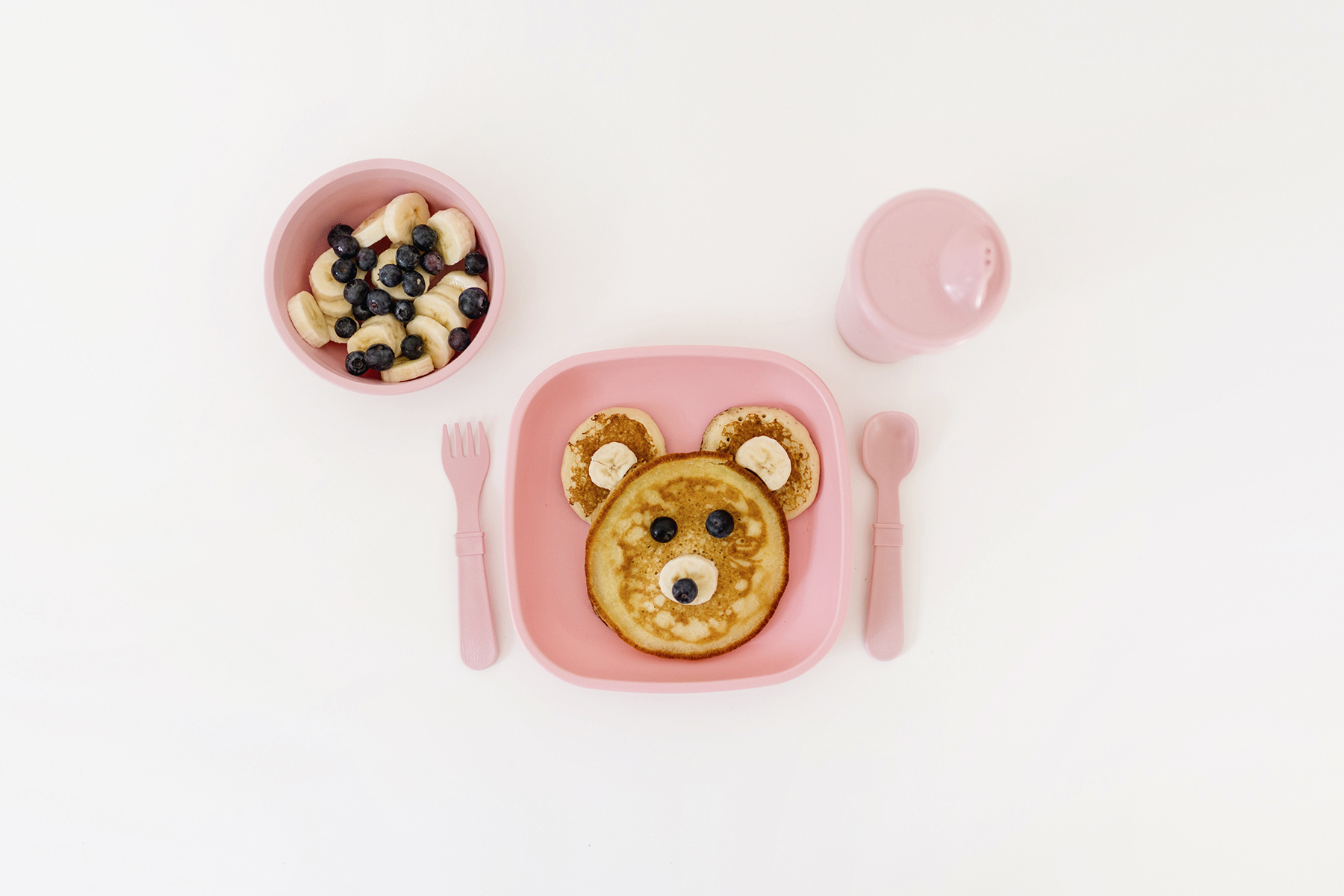 Fluffy pancakes recipe in bear shape | Re-play kids plates in pink