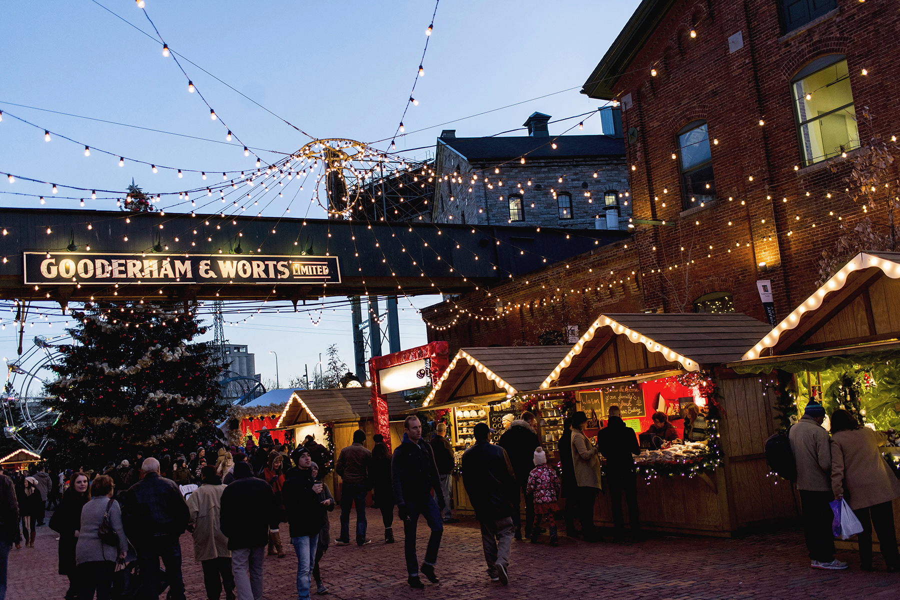 Toronto Distillery District Christmas Market with Uber
