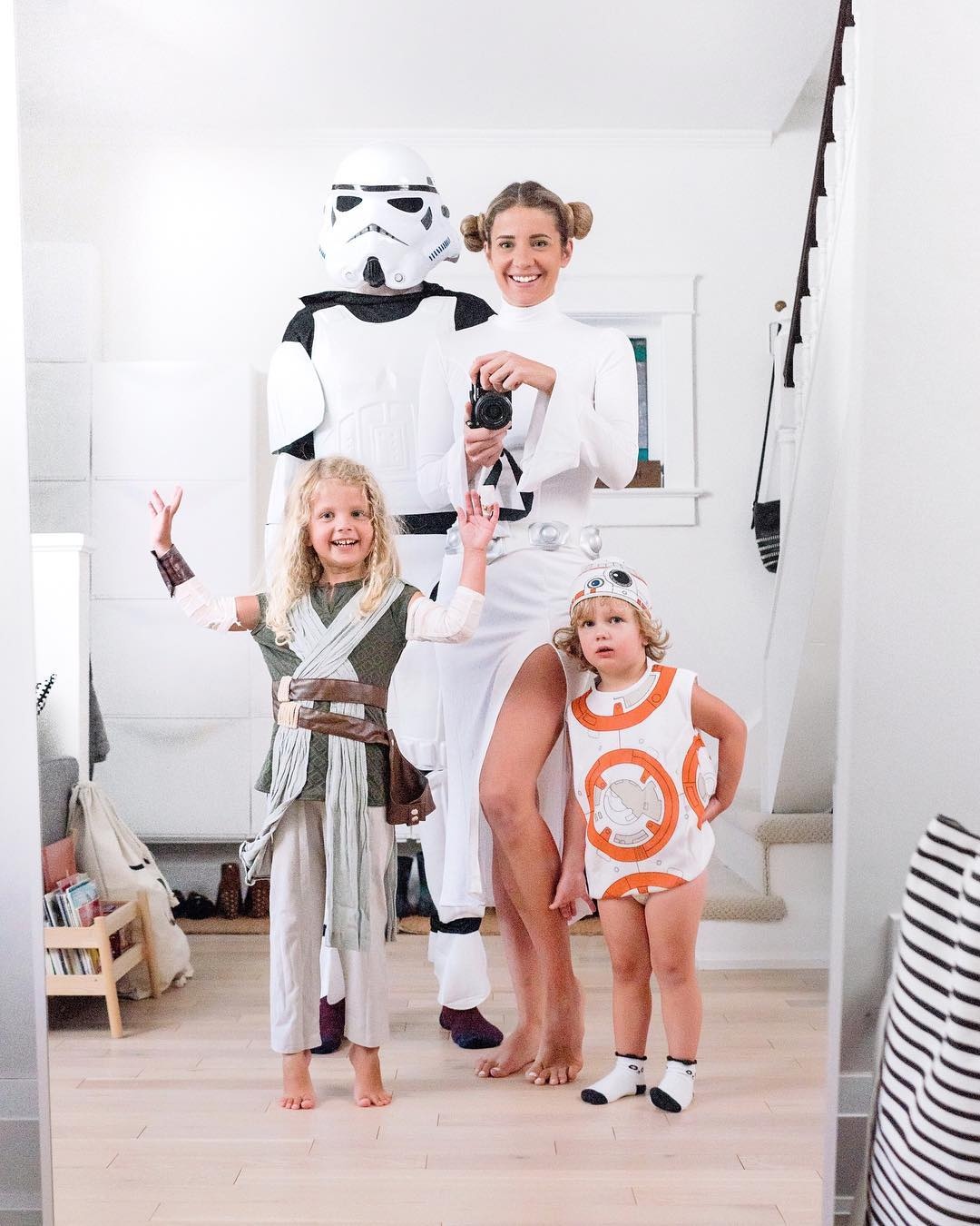 Halloween Costumes Ideas For Family Of 5.15 Fun Family Halloween Costume Ideas Happy Grey Lucky